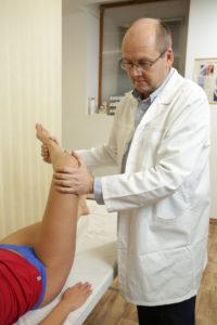 térdízület hogyan kell kezelni a lábujj ízülete nagyon fájdalmas
