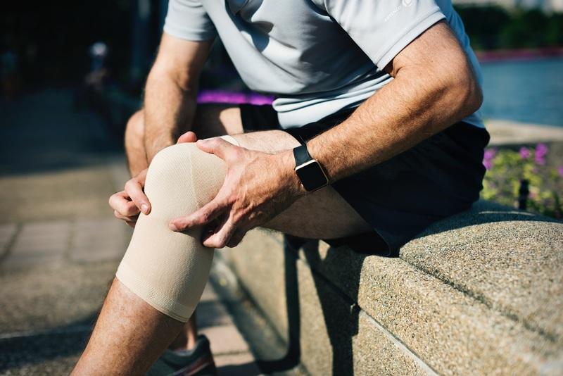a medence ízületének fájdalma ad a lábnak