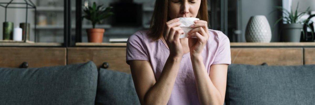 ízületi tüsszögés hogyan kell kezelni a térd artrózisának gyógyszeres kezelését