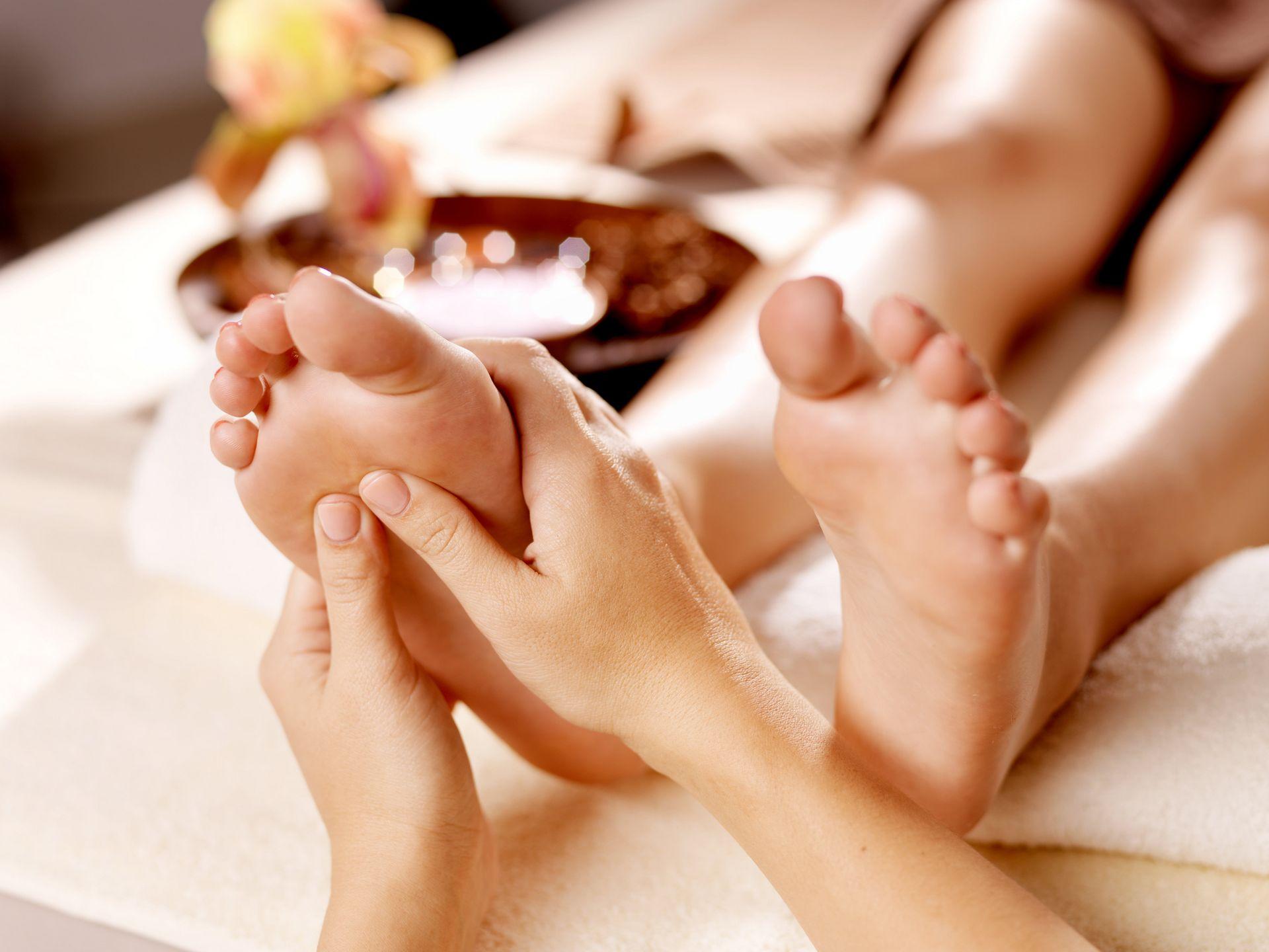 a lábízület ízületi gyulladása lapos lábakkal a térdízületbe történő beillesztésre szolgáló gyógyszerek