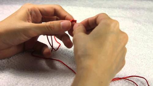 vörös gyapjú fonal az ízületi fájdalmakhoz