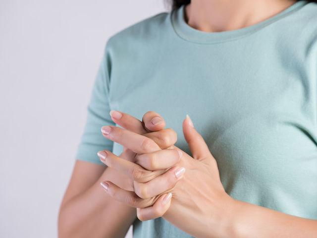 ropogás és ízületi fájdalom a lábakban