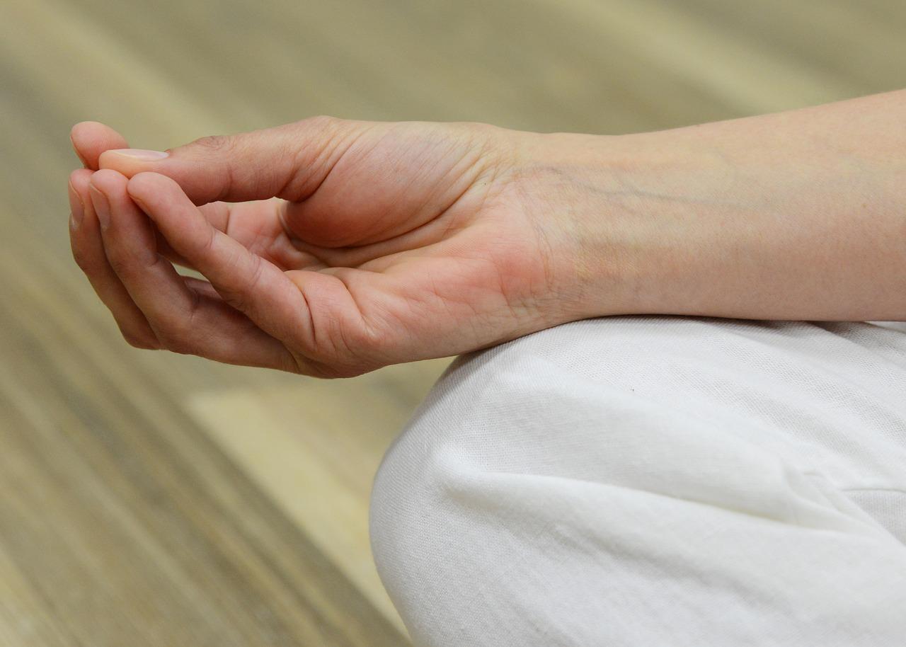 a könyökízületek és az ujjak ízületi kezelése