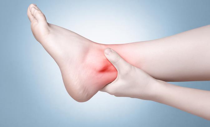 hogyan kell kezelni a láb duzzadt ízületét fájdalom a csípő coxarthrosisával, mit kell tenni