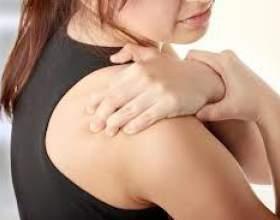 fájdalom a könyökízületben, amikor a karot megnyomják