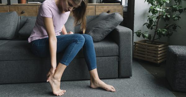 fájdalom a két vállízületben a térdkiütés ízületi gyulladása