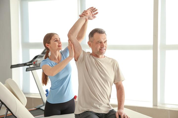 közös rehabilitációs kezelés milyen ízületi fájdalom vezethet