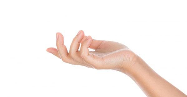 a bal kéz gyűrűs ujjának ízülete fájdalmat okoz