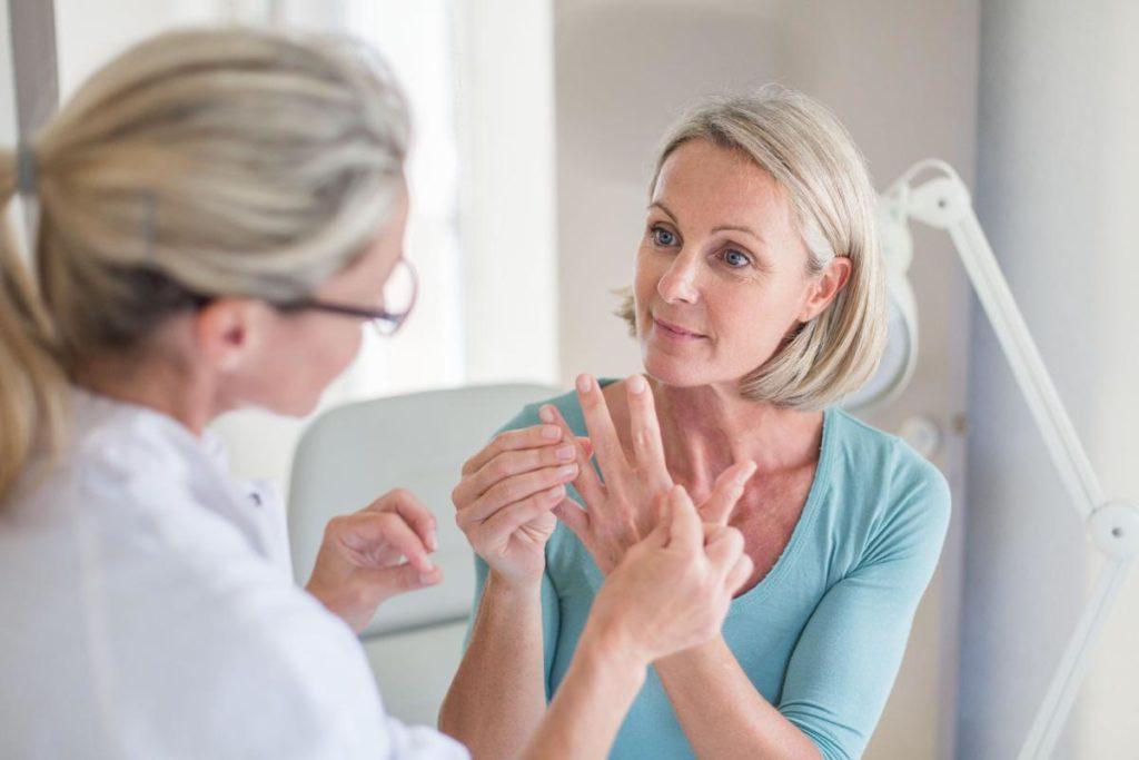 fájdalom a kéz három ízületében milyen gyógyszert találtak izületi fájdalomra